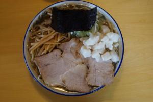 ▲柔らかめに茹でられた麺ですが、かなりスープを吸い込んでますね。