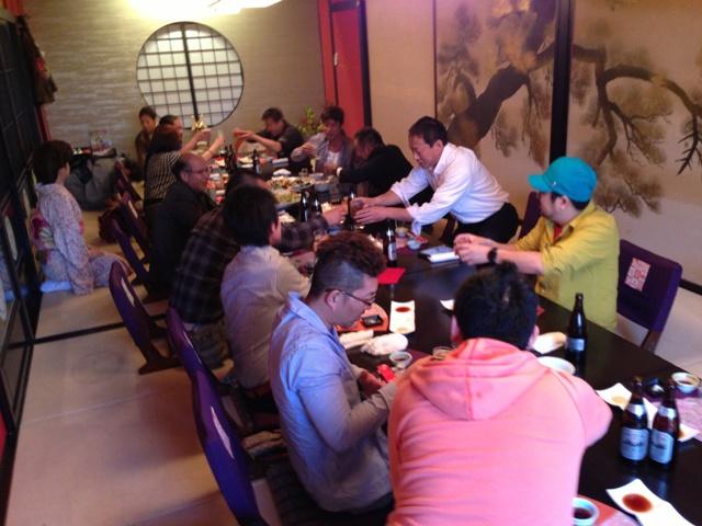 高知の和食料亭で美味しいお酒をいただきながら親睦を深めました